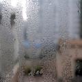Защо се явява конденз през зимата – и как да се справим с него?